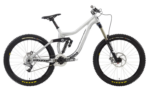 a5529ed3643 Hey, Mr. VIP! You're absolutely laying waste to technical descents,  air-populated bike parks and North Shore steeps. With Kona's all-new  Entourage DL, ...